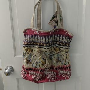 2 Cute tote or handbags for price of 1!